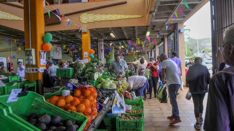 El mercado del agricultor de La Guancha cuenta con una nueva cámara frigorífica