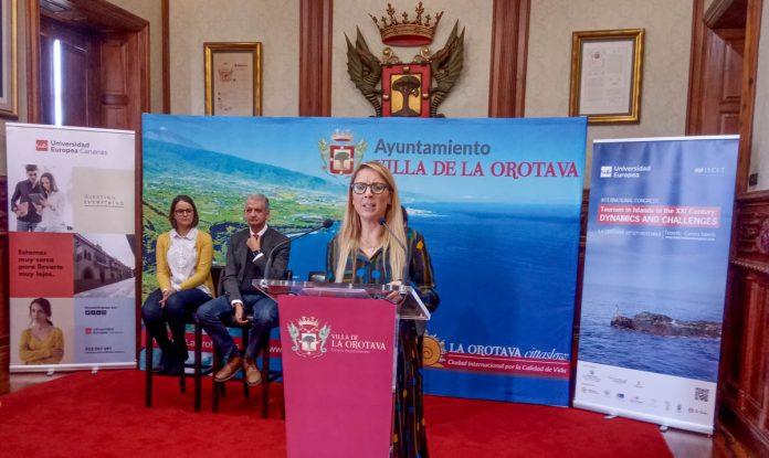 Cristiana Oliveira durante la presentación del Congreso de Turismo