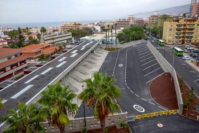 Vista de la entrada de la estación de Guaguas del Puerto de la Cruz