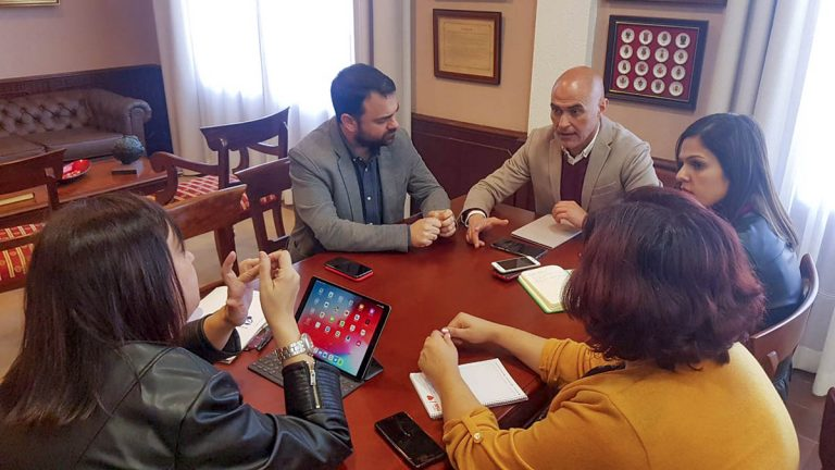 Reunión del Área Social municipal con el Cabildo de cara a una mayor colaboración