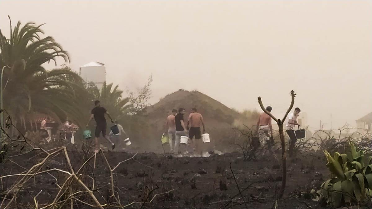 Colaboracion ciudadana en las tareas de extinción del incendio
