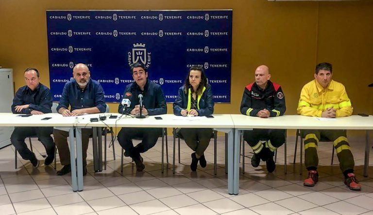 El Presidente del Cabildo confirma que todos los fuegos están controlados y los aeropuertos operativos