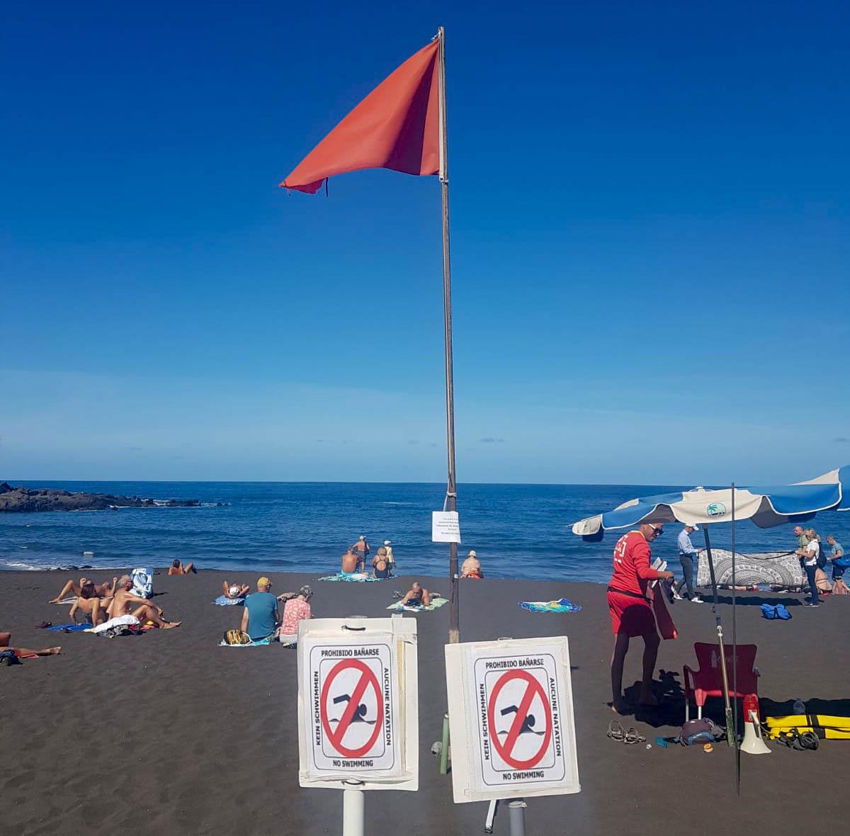 Prohibición de baño en Playa Jardín