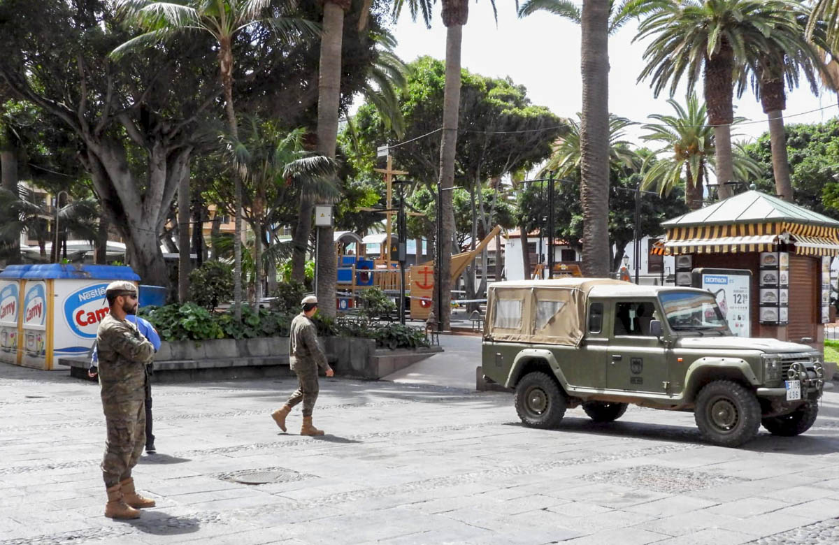 Efectivos del Ejército en la Plaza del Charco