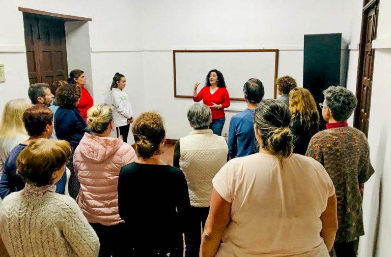 Se inician en La Guancha una quincena de personas en el canto