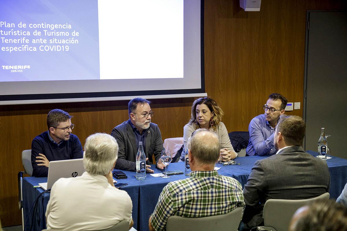 Resultado de imagen de Turismo reúne al sector para comunicarle su plan para reforzar el destino Tenerife