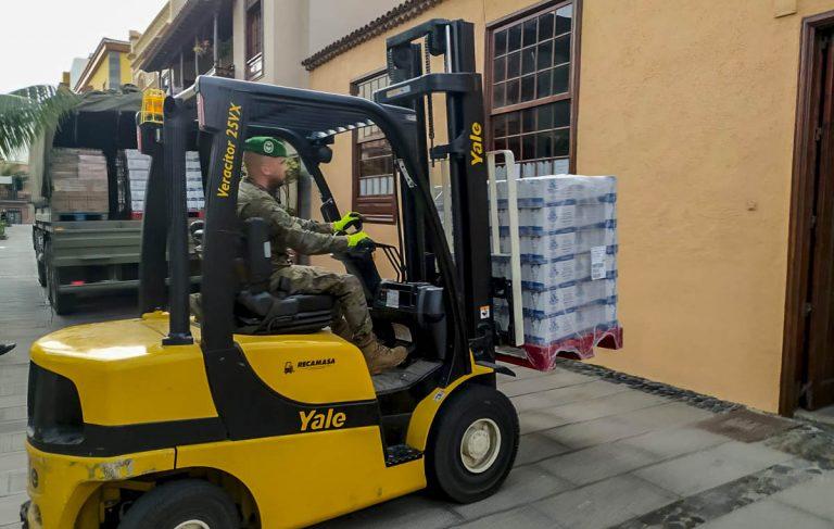 Llegan al Puerto de la Cruz 22 toneladas de alimentos que distribuirá Cáritas entre 495 familias