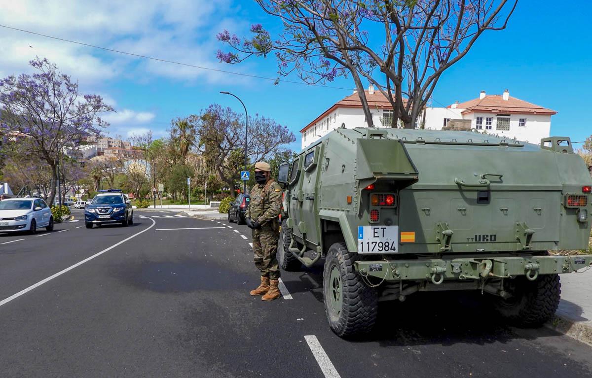 Unidades del ejército patrullan en La Vera