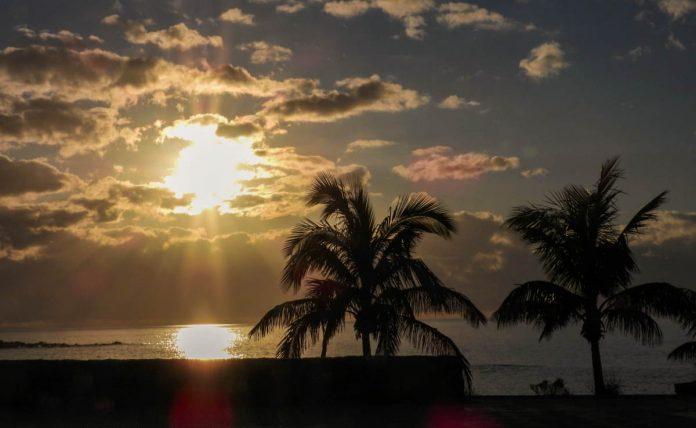 Atardecer en Playa Jardín durante la cuarentena 3-4-2020