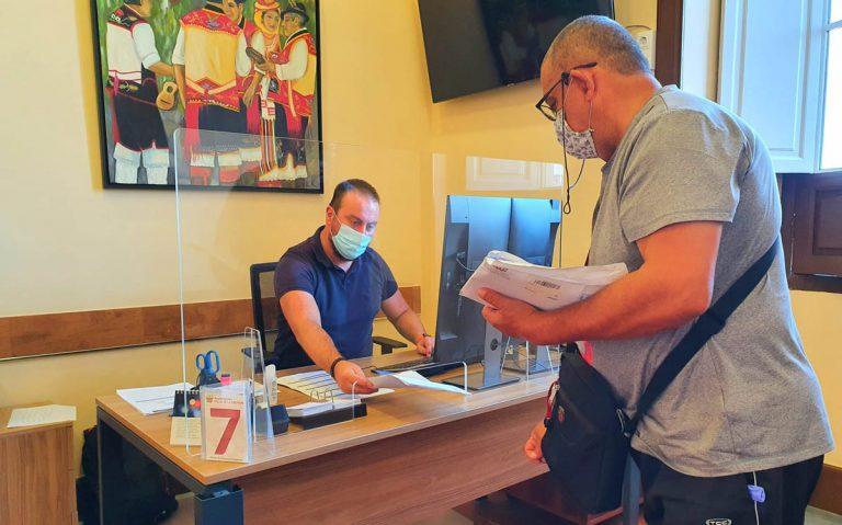El Ayuntamiento de La Orotava comienza a atender presencialmente a los vecinos con cita previa