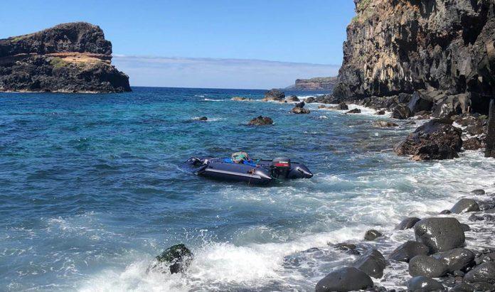 Embaración abandonada en la costa de Santa Úrsula