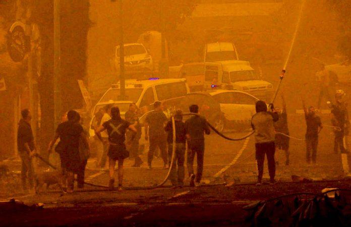 Incendio en la zona de San Antonio durante la crisis por la calima