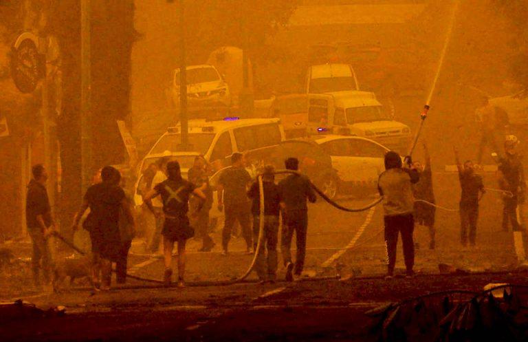 La Policía Nacional detiene a una persona de 57 años por la quema de varios contenedores durante la crisis de la calima