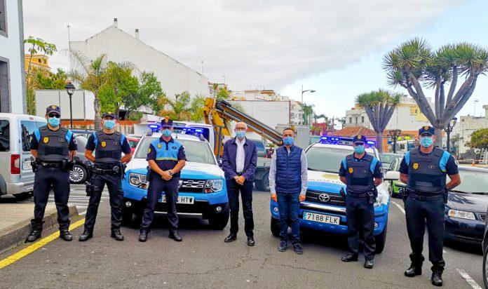 alcalde, concejal seguridad y agentes de Santa Úrsula