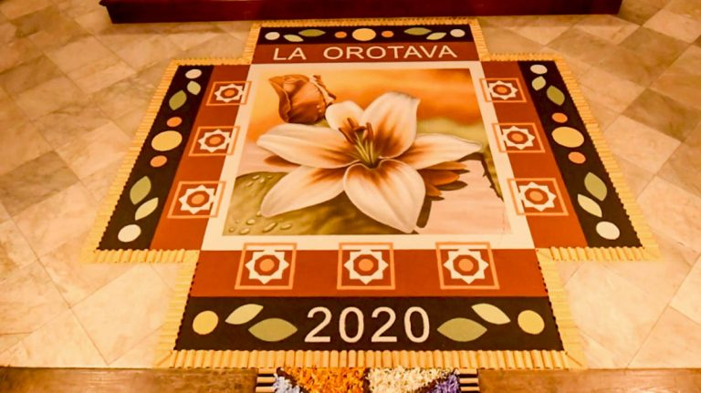 Las alfombras de La Orotava en 2020 perviven en el interior