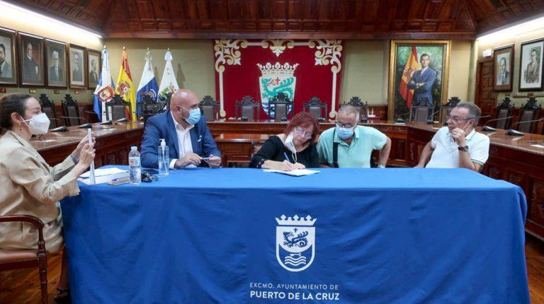 Puerto de la Cruz firma la entrega de diez viviendas de San Valentín y Santiago Apóstol II